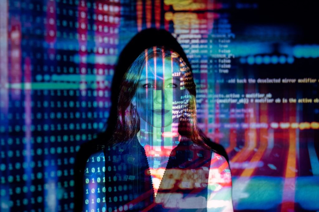 The Quantum Phenomena and Risks to Data Security